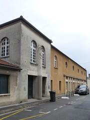 Bordeaux, Gironde: impasse Elvina-Sivan, salle paroissiale, 1938, architecte H. Bessagnet et statue de Ste Geneviève, 1939, A. L. Libergé - Photo of Cadaujac