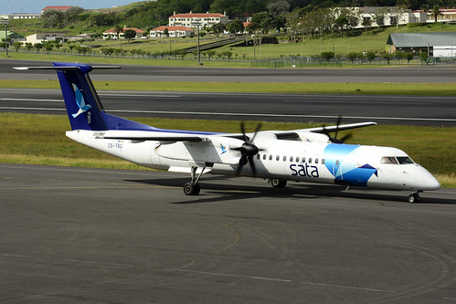 CS-TRG DHC8-402 cn 4298 SATA Air Acores 170703 Lajes Field 1001
