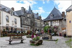 Rochefort-en-Terre; Place du Puits, des Troubadours