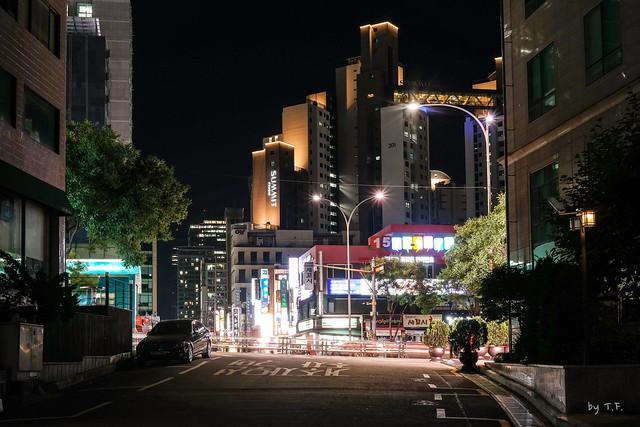 신논현역 골목길 야경