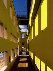 Lyon - Les carrés jaunes à Confluence. - Photo of Irigny