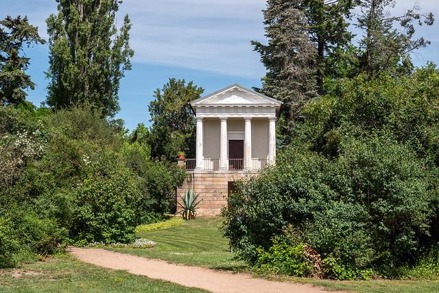 Wörlitzer Park: Floratempel im Floragarten - Wörlitz Park: Temple of Flora in the Garden of Flora