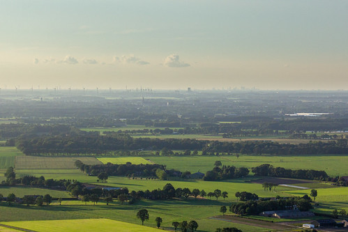 Ballonvaart - Rotterdam aan de horizon