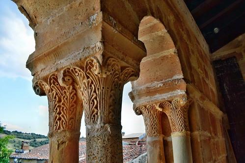 Capiteles de la iglesia de San Juan Bautista (Jodra del Pinar).