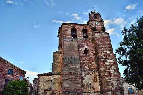 Iglesia de San Pedro Apostol (Luzón)