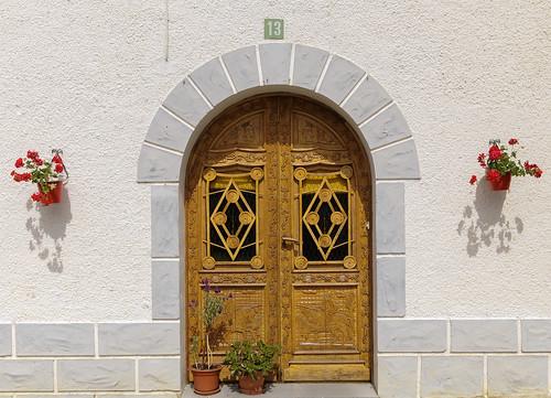 Puerta 13. ANSÓ. ARAGÓN. SPAIN.