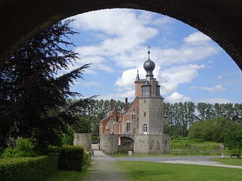 Le château des ducs d'Havré.(En restauration).