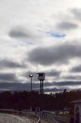 2018-10-27 (35) head-on main track camera tower at Laurel Park