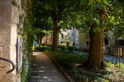 à Saint-Amand-de-Coly