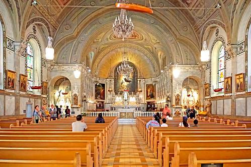 DSC00258 - Nave of Chapel of Notre-Dame-de-Bon-Secours