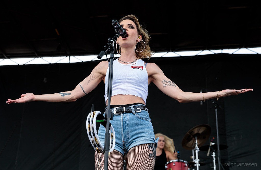 Juliet Simms | Texas Review | Ralph Arvesen
