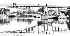 La passerelle. Auxerre - Photo of Augy