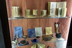 Collection of Leonardo da Vinci's notebooks, tools and sketches