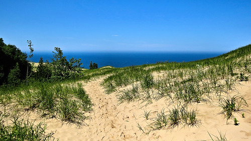 Trail to Lake Michigan overlook, Arcadia Dunes