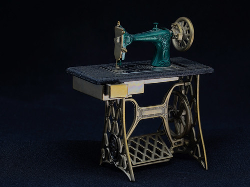 Nähmaschine / sewing machine