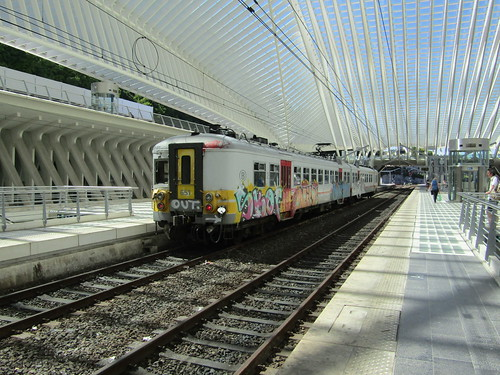 NMBS 651 at Liége Guillemins
