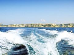 France, la Corse, la ville de Bonifacio perché sur la falaise