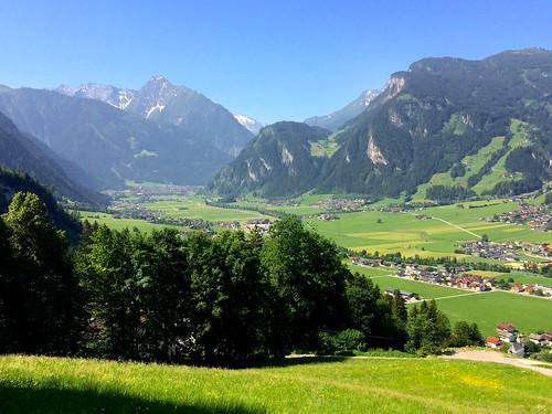 Links hinten Mayrhofen