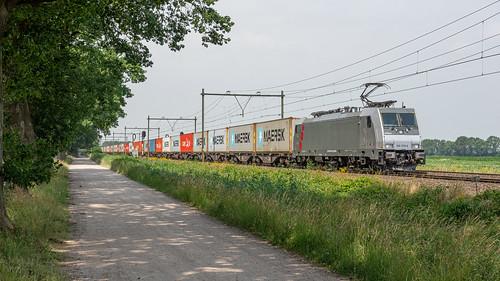 Griendtsveen RFO Akiem 186 359 met containers