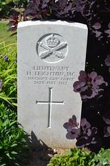 CWGC Lieutenant Harold Leighton MC - Photo of Thélus