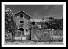 """En quelque maison que vous entriez dîtes d'abord : paix à cette maison.""""De Saint Luc / Evangile - Photo of Revens"""
