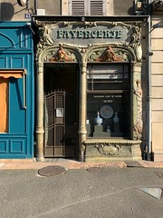 'Fayencerie d'art', façade art nouveau, G.TH. Renaud, Nevers (France) - Photo of Coulanges-lès-Nevers