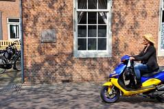 Scooter Girl - Leiden
