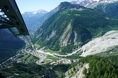 Courmayeur from Skyway cableway at Pavillon