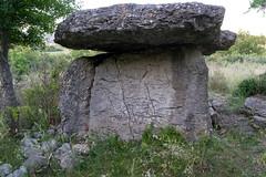 2054 Le dolmen de Mias