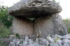 2053 Le dolmen de Mias