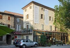2143 Antraigues-sur-Volane, le souvenir de Jean Ferrat