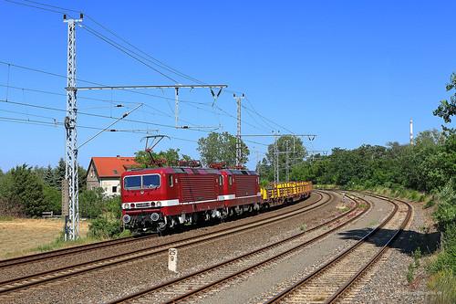 243 650-9 + 243 931-3 Delta Rail