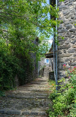2292 Le village de Sceautres