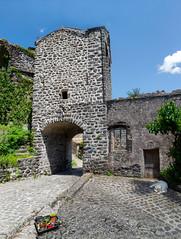 2290 Le village de Sceautres