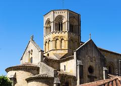 2368 Collégiale Saint-Hilaire, Semur-en-Brionnais - Photo of Baugy