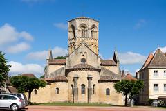 2336 Collégiale Saint-Hilaire, Semur-en-Brionnais - Photo of Baugy