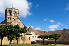 2365 Collégiale Saint-Hilaire, Semur-en-Brionnais - Photo of Baugy