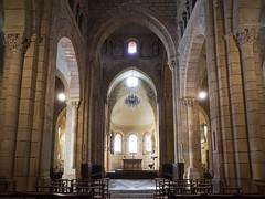 2350 Collégiale Saint-Hilaire, Semur-en-Brionnais - Photo of Baugy