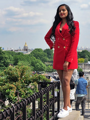 Middle East beauty in red jacket - Photo of Fontenay-aux-Roses