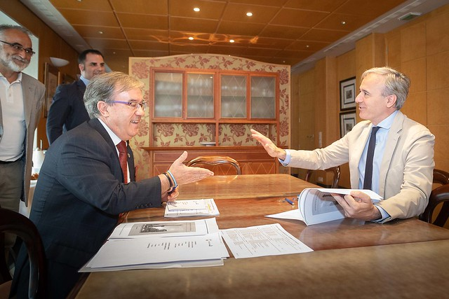 Visita del Alcalde de Zaragoza, Jorge Azcón
