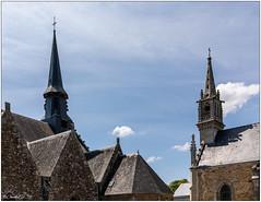 Auray; les clochers des 2 Eglises, église Saint-Sauveur et Notre-Dame de Lourdes