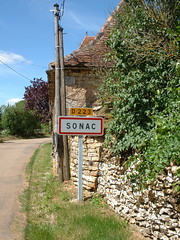 Panneau du village de Sonac dans le Lot - Photo of Livernon