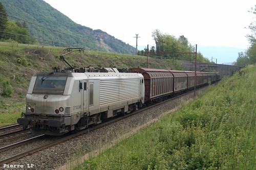 BB27000 Akiem 27133M + Wagons Couverts