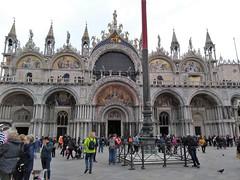 LA BASILIQUE ST MARC (2)