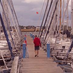 Zwischen den Booten, den Steg entlang ... | 1. September 2015 | Fehmarn - Schleswig-Holstein - Deutschland