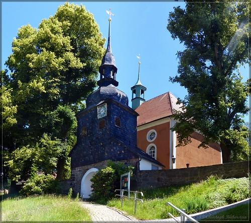 Der einzige frei stehende Glockenturm der Oberlausitz in Lawalde