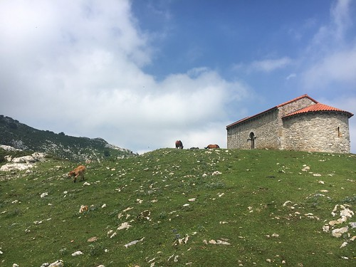 Hike to Ermita De Santiago near Oviedo