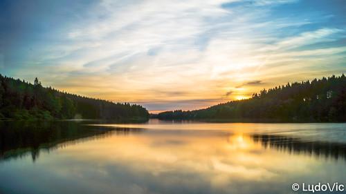 Sun goes on Lake