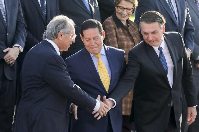 """""""Brasil está longe da perspectiva de sair da recessão"""", avalia economista Paulo Nogueira Batista Júnior - Créditos: Foto: Sergio Lima / AFP"""