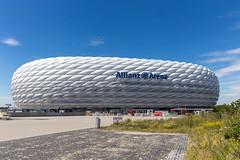 """Der """"Autoreifen"""" von München und Heimstadion des Fußballvereins FC Bayern München, ist ein Wahrzeichen der Landeshauptstadt"""